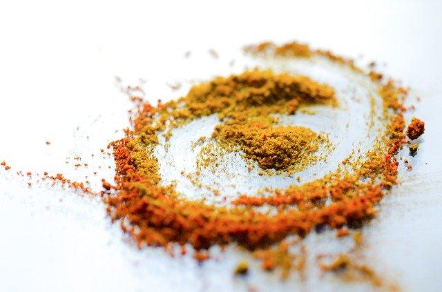 Paprika und Curcumin